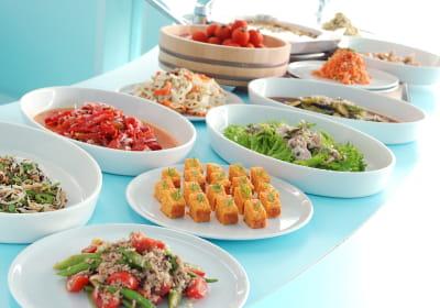 里山食堂の食事の写真